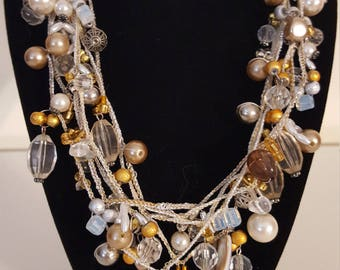 Elegent Gold and White Dangle Beaded Necklace
