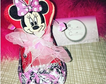Minnie Theme Converse (splash paint design)