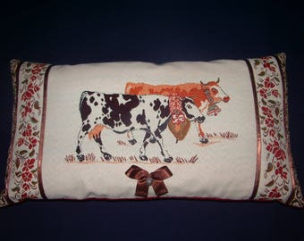 Country decor pillow