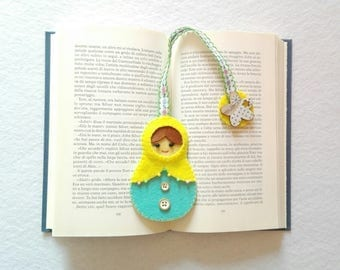 segnalibro con bambolina matrioska in feltro     bookmark with felt matryoshka doll