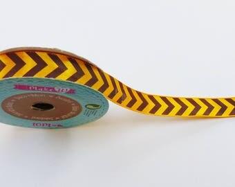 10 metres of yellow and black arrow 1.60 cm width satin ribbon