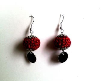red ball: crocheted earrings and sequins