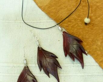 Set earrings and pendant dark red