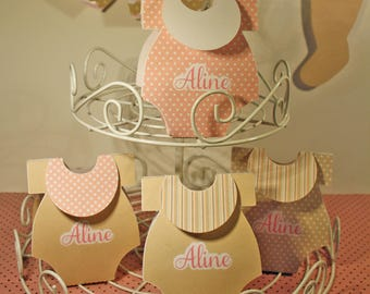 Box dragees in the shape of Bodysuit and bib: custom colors