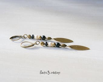 "Earrings long and thin black and ivory ""Shana"""