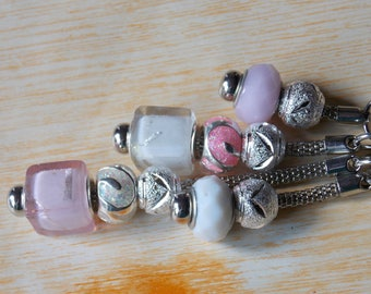 Keychain Charm's pink and white metal snake - to order