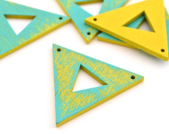 1 connector triangle graphic turquoise and yellow wooden 3.8 cm x 3.3 cm