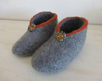35/36 GREY MEDIUM SIZE FELTED WOOL SLIPPERS