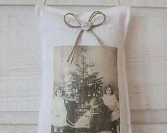 Child & Christmas tree door cushion (n ° 3)
