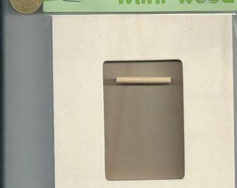 FRAME: Rectangular blank - wooden frame (8, 5 X 5, 5cm Int) Dim.15X13cm