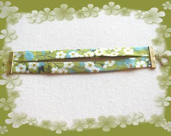 double bias tape green and Ecru flowers bracelet