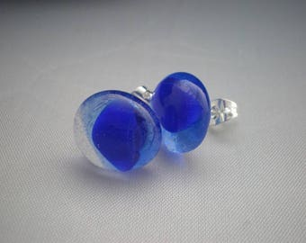 Earrings in shades of blue and transparent glass