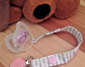 B04 - Clip pacifier or Soother 2 15 or 20 cm, whiskers, pink snap settings.