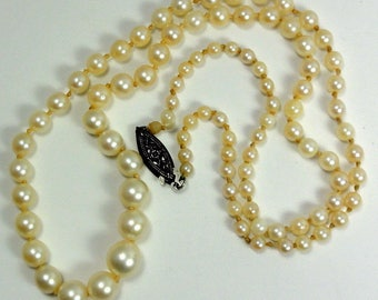 "Vintage Knotted Pearl Necklace Quality Single Strand length:18-3/4"" Faux?  ET7494"