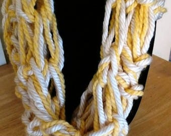 Lightweight infinity scarf yellow (eclair) and white
