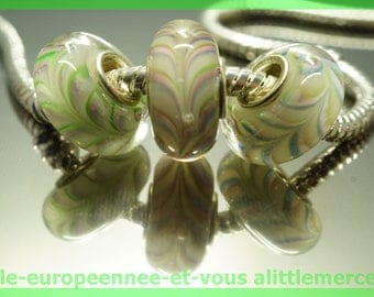 Has HQ979 European glass bead for bracelet necklace charms