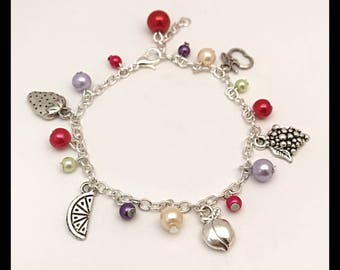 """""""5 fruits"""" bracelet with glass beads and charms"""