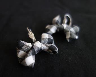 Checkered black and white fabric bows earrings