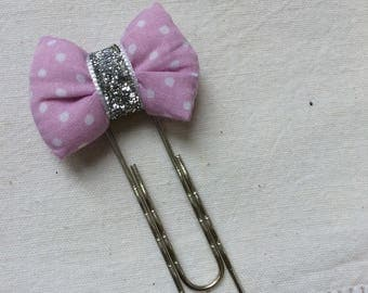 Bookmark with a white/purple polka dot bow