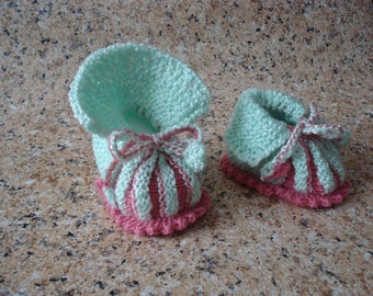Brand new hand-knit baby booties, newborn baby gift, baby shower gift, doll accessories