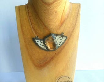 Necklace glass and ceramic