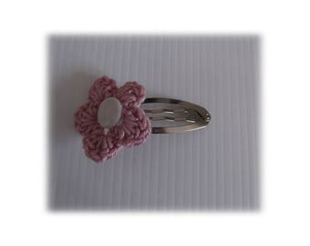 VINTAGE PINK CROCHET FLOWER CLIP HAIR BARRETTE