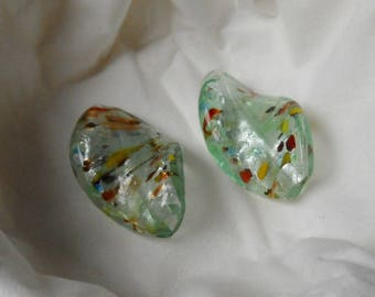 2 beads of glass chips green 3 cm