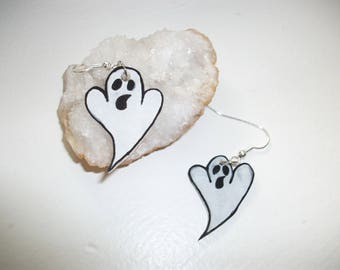 Halloween earring. cute ghost