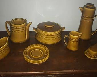 Vintage mustard color dish set