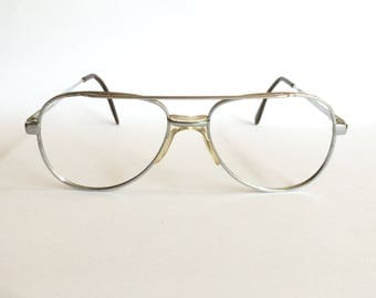 Deadstock vintage 1980's KT 121-217 Silver Aviator Glasses.