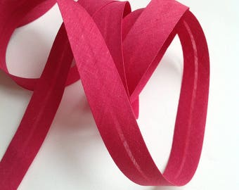 Folded fuchsia raspberry pink plain cotton bias