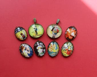 8 supports pendants with retro ads