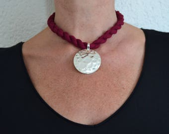 Trapillo Burgundy and silver pendant Choker necklace