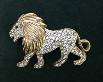 Lion Gold tone crystal broach/pendant