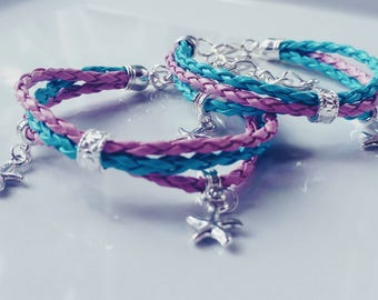 Leather bracelet with starfish charms