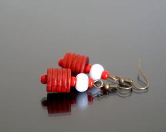 Earrings red and white.