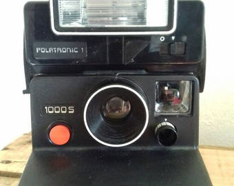 Vintage Polaroid 1000 camera