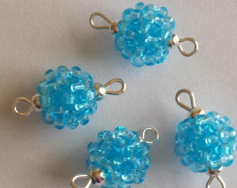 4 seed connectors (2.5 mm) aquamarine beads