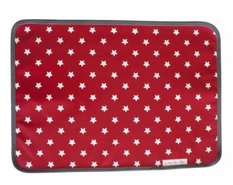 Placemat in red stars oilcloth white