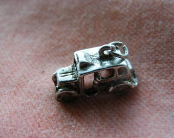 Vintage Sterling Silver Charm London Taxi cab
