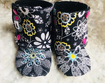 Black bright floral stay on booties