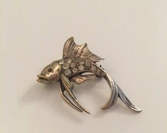 Silver tone vintage fish brooch