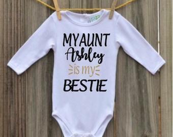 Auntie Bodysuit - Auntie Shirt - Favorite Aunt Baby Shirt - Sister Baby Announcement - New Aunt Announcement - Aunt Gift - Auntie Bodysuit