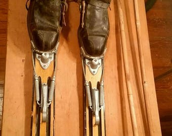 Antique Wooden Skis (great condition) - NOT FREE SHIPPING (pick-up only or possible self-delivery)