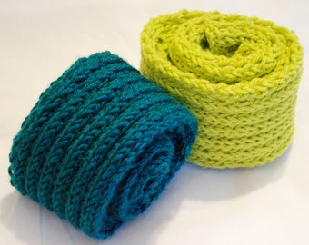 Knitted Ribbed Pattern Scarf