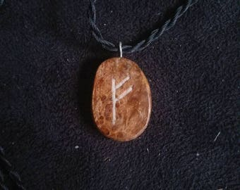 Glow in the dark woden Fehu rune pendantn
