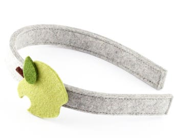 Headband of felt with Apple
