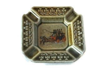 Vintage Irish Porcelain Ashtray Early Wade Made in Ireland Horse & Carriage/Stagecoach Painting
