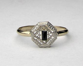 Art Deco sapphire and white gold ring