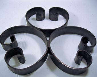 """Hand Forged 9"""" Outside scroll trivet"""